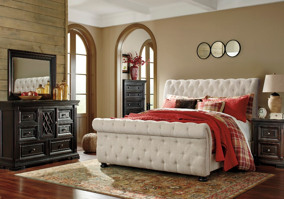Willenburg Queen Upholstered Bed Louisville Overstock