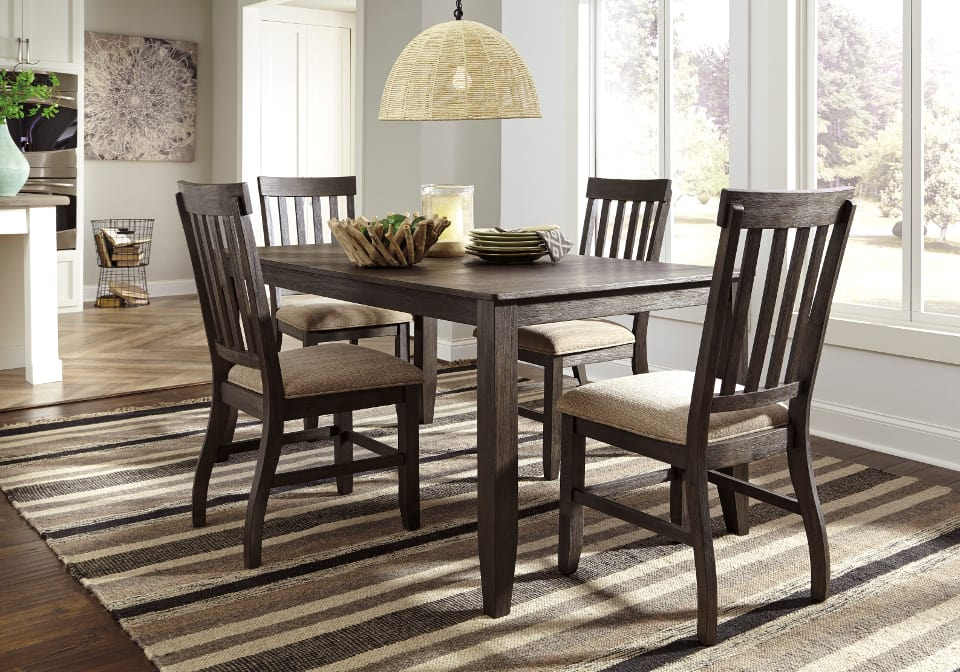 Dresbar Dining Set With 4 Chairs Louisville Overstock