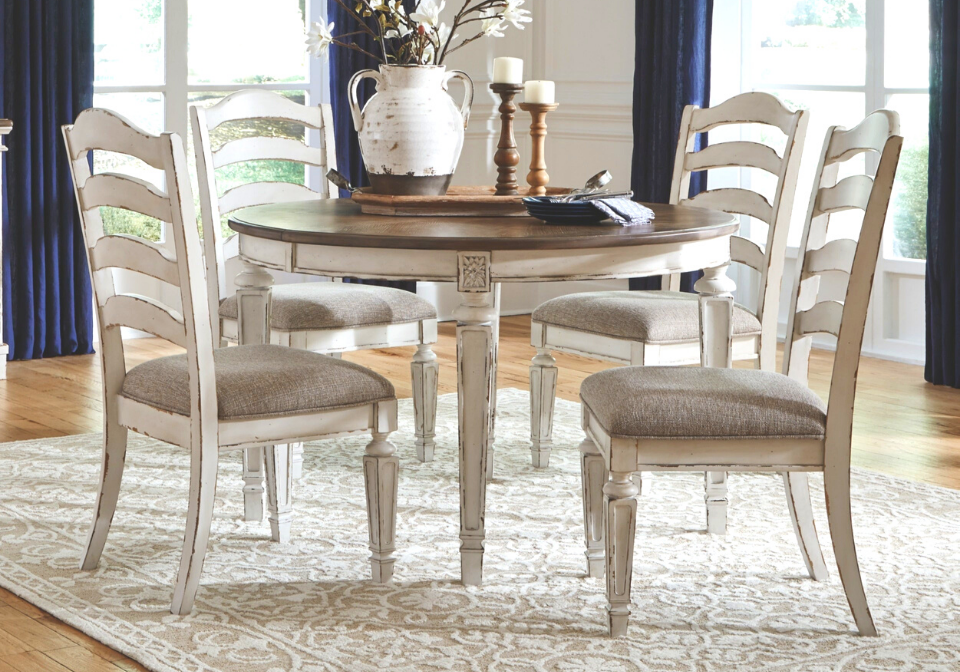 Realyn Chipped White 5pc Oval Dining, Oval Dining Room Sets