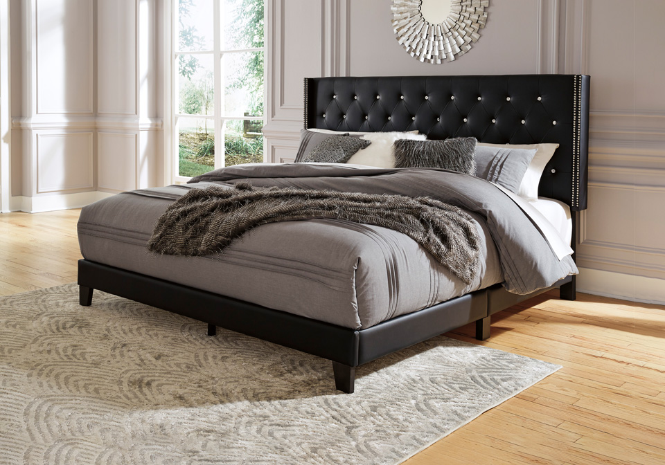 Vintasso Black Upholstered Queen Bed   Louisville ...